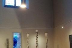 Installation-Erhoben-Erhaben-Die-Würde-des-Menschen-ist-unantastbar-Holzschnitt-auf-Leinwand-20202
